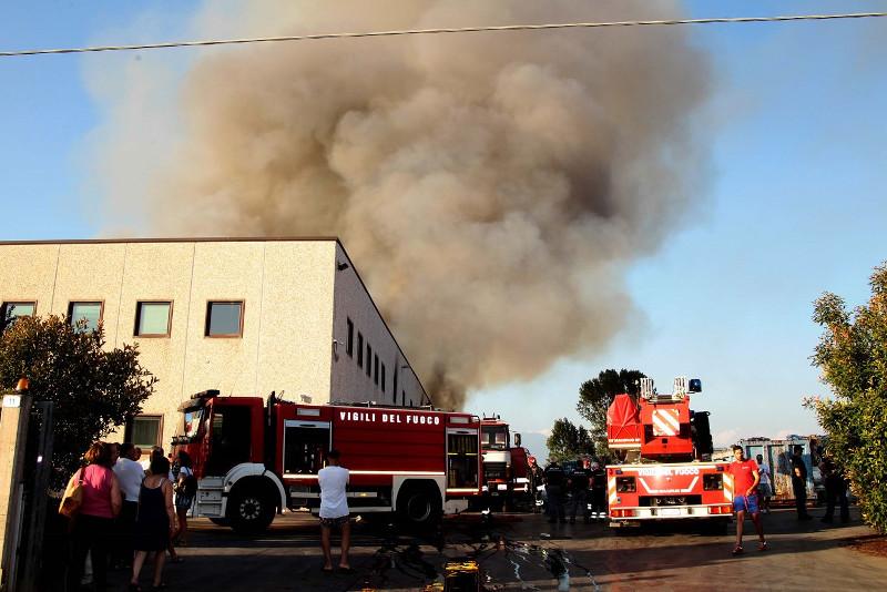 Incendio Mecoris ripensare filiera riciclaggio.