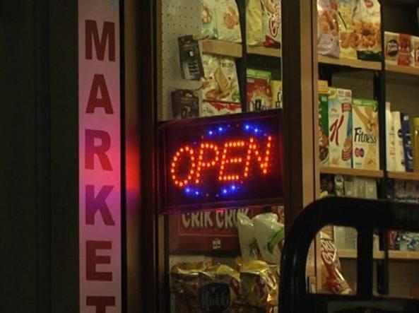 """Le """"due sinistre"""" dicono no a emendamento contro la vendita di alcolici"""