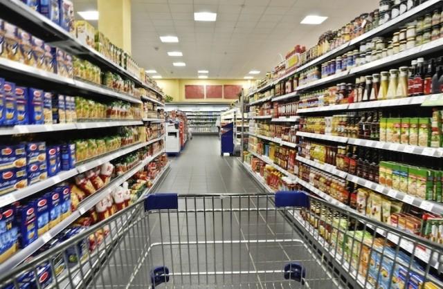 Addetti alla grande distribuzione alimentare siano equiparati alle categorie che hanno priorità a vaccinarsi